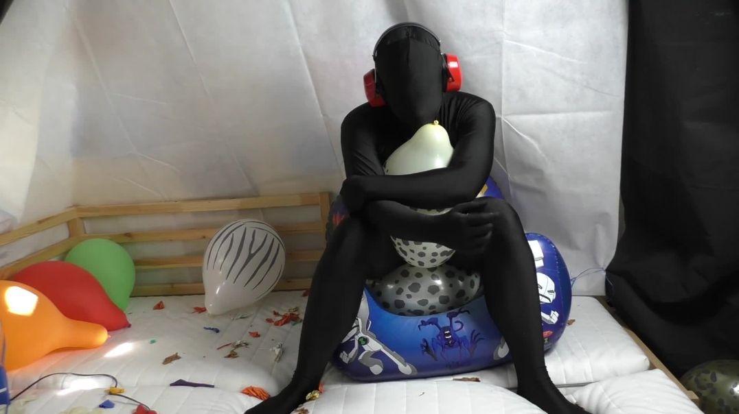 "Sit/Feet Pop 12"" Animal Prints on Inflatable Chair (Ses 17.5, Vid 3)"