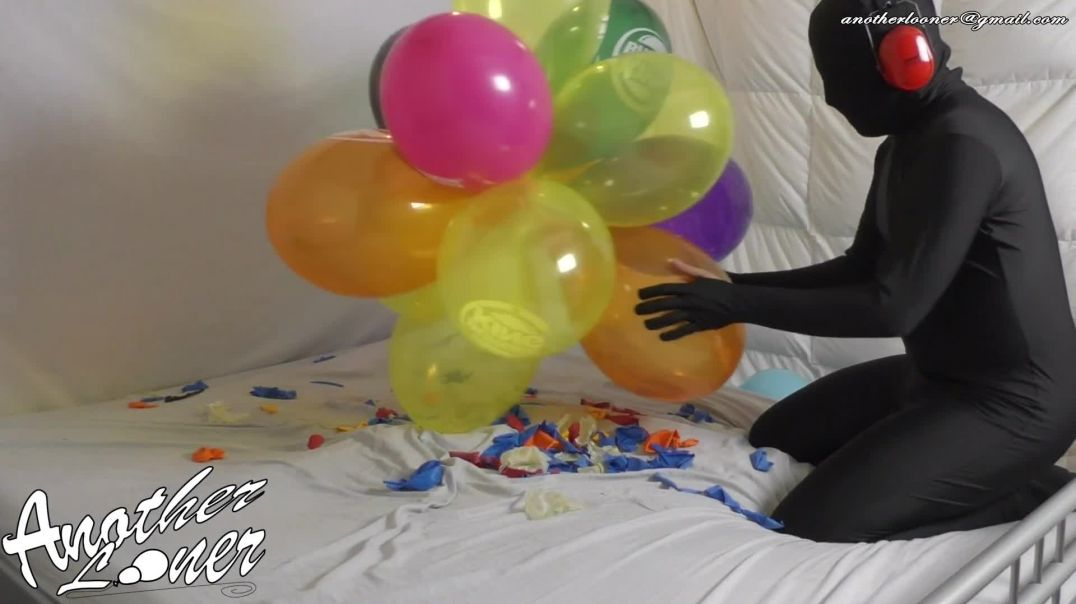 """Fast Food 14"""" Crystal Balloons Popping (Ses 28, Vid 6)"""