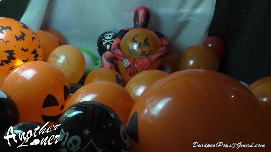 Handy Deadpool Halloween Popping (Ses 19, Vid 1) (Halloween Special)