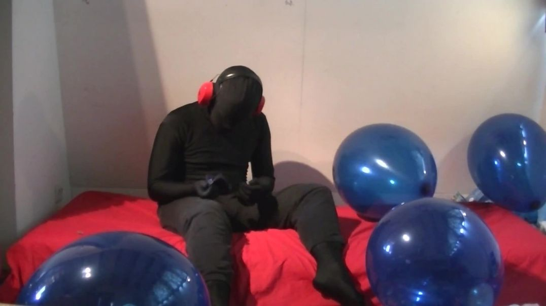 Trying to Hug Pop 16' Balloons (Extra Video)
