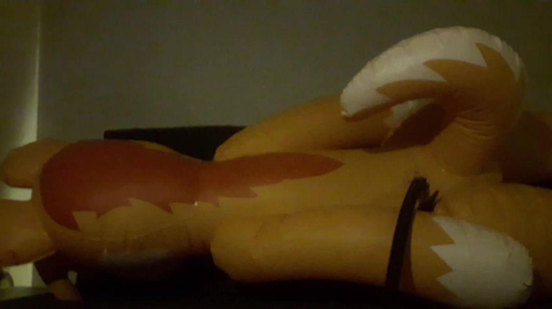 IW Husky inflating