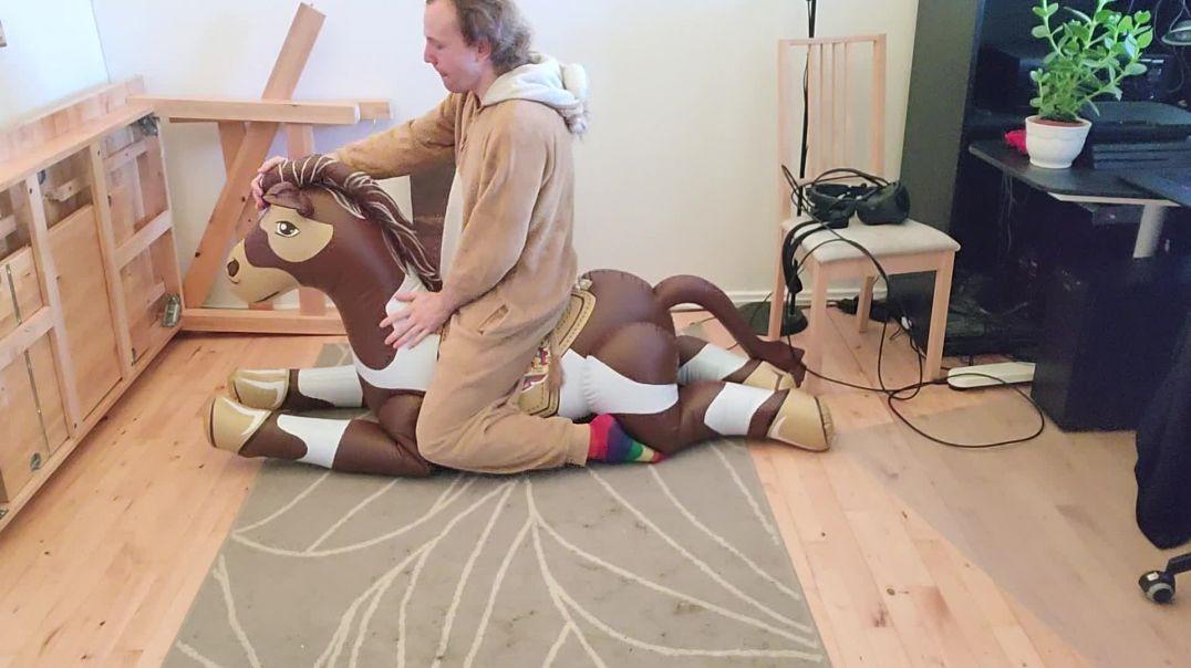poney hiss
