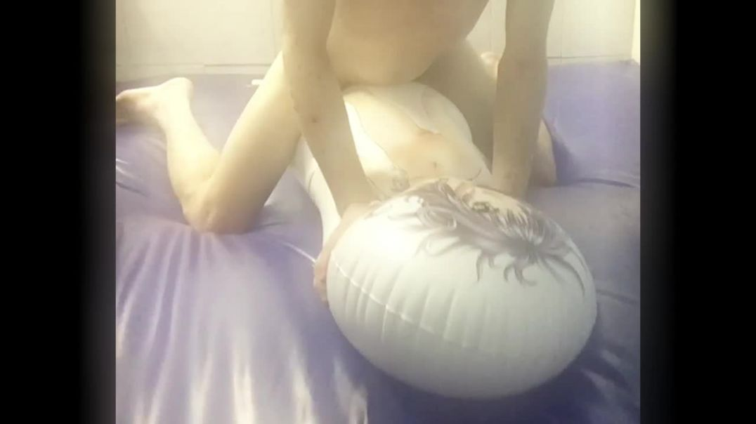 fucking the asuka love pillow on the spare waterbed 1