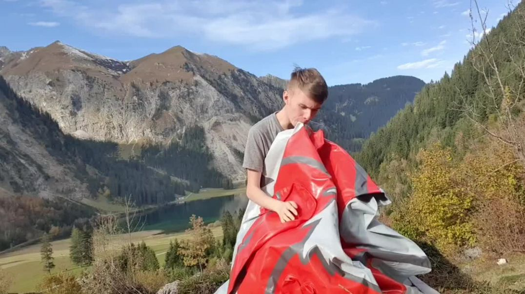 Inflating my pouncing Guilmon by mouth - Vilsalp Lake 2020