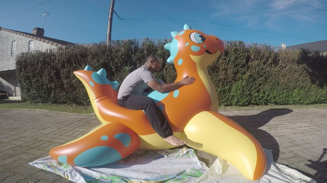 ride puffypaws Speckles Dino sun
