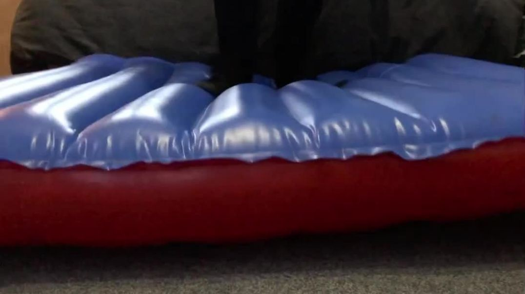 Jumping on inflatable floor with trainers and barefoot
