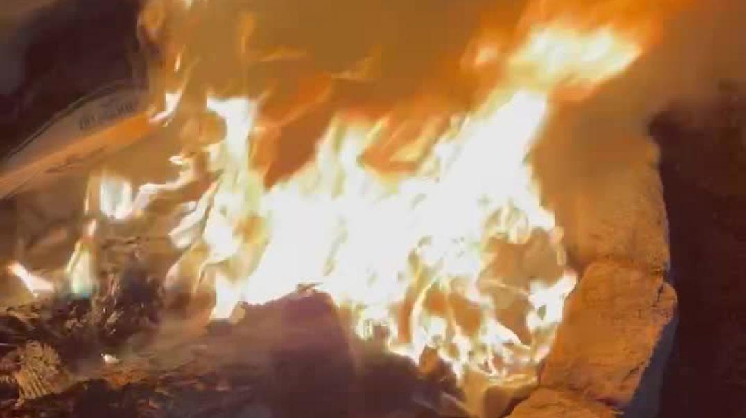 Burning pool toy