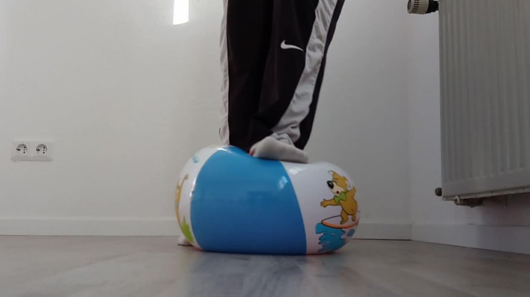 rarely 80 years inflatable yogi bear beachball foot popping with boots